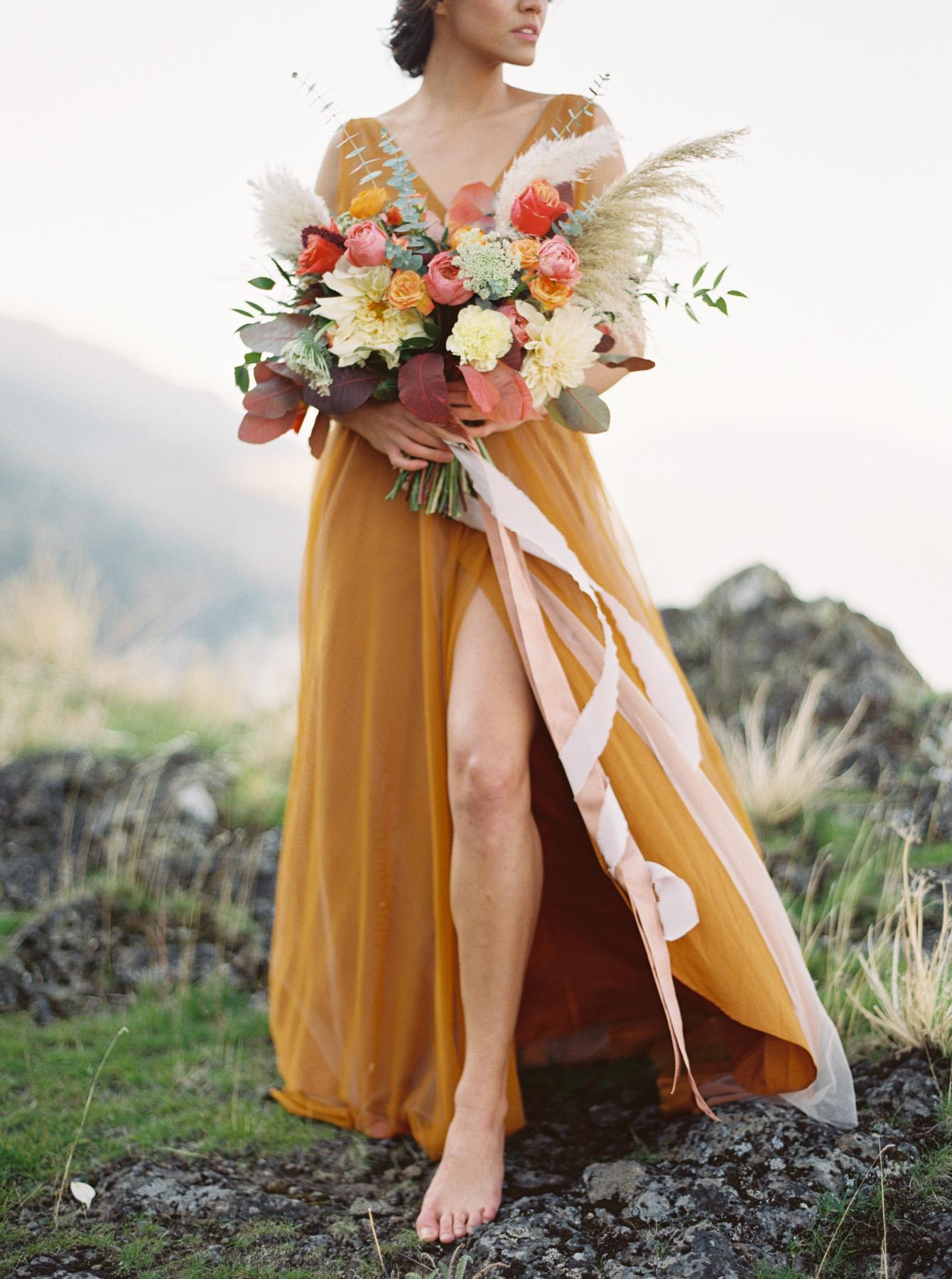 Carlos-Hernandez-Fine-Art-Film-Wedding-Editorial-Photography-Portland-Oregon-Columbia-Gorge-Fall-021