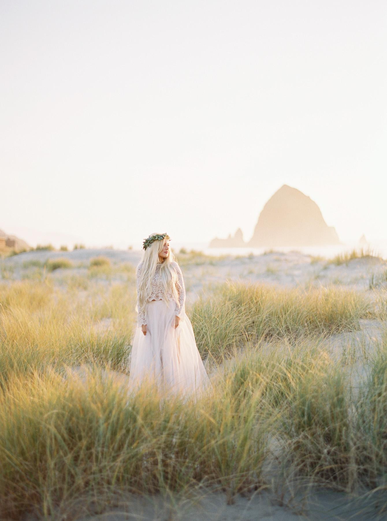 Carlos-Hernandez-Fine-Art-Film-Wedding-Engagement-Photography-Cannon-Beach-Oregon-Coast-010