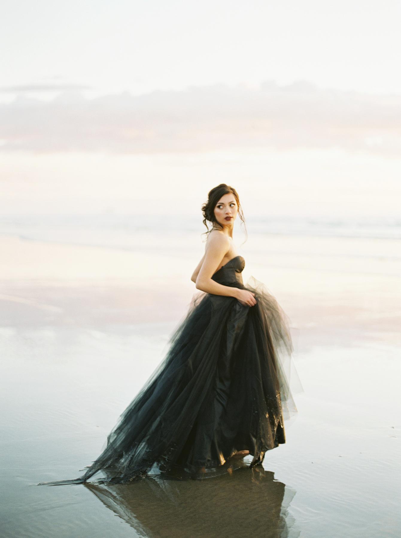 Carlos-Hernandez-Photography-Oregon-Coast-Cannon-Beach-Wedding-Photography-005