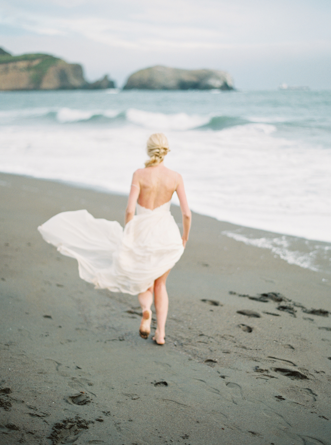 Carlos Hernandez Photography San Francisco California Wedding Photographer Beach
