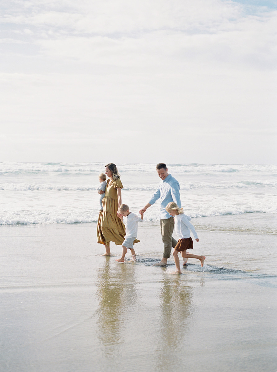 Carlos Hernandez photography Cannon Beach Family Photos Portland Oregon